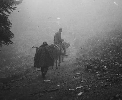 Το βουνό, τα μονοπάτια... 60 χρόνια πριν, στο ΕΑΜ (Φωτ. Σπ. Μελετζής)