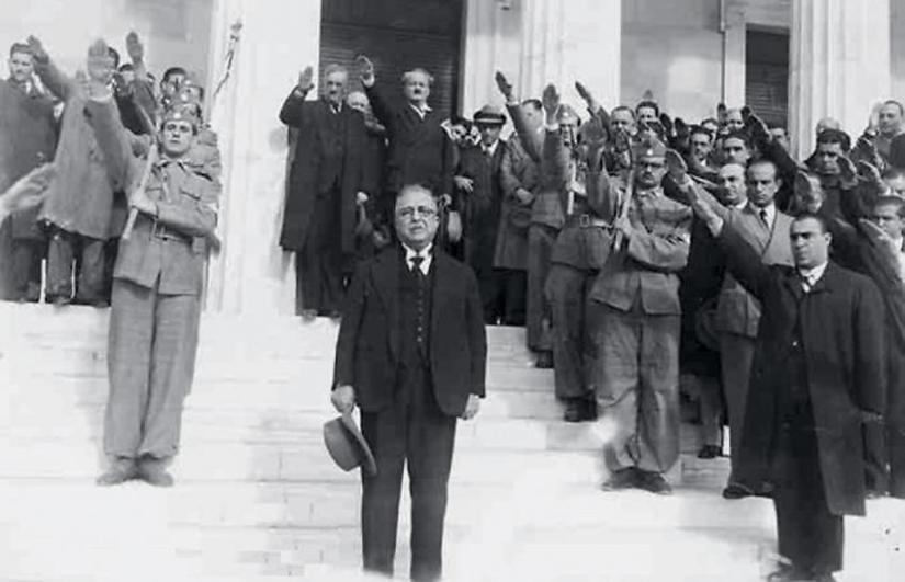 Ο Μεταξάς τις πρώτες ώρες του πολέμου. Ακόμη δεν είχε αντιληφθεί ότι η λαϊκή ανάταση θα σάρωνε καθετί φασιστικό...