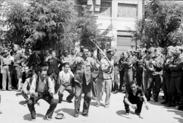 Δημόσιος εξευτελισμός των Εβραίων της Θεσσαλονίκης στην πλατεία Ελευθερίας από τους κατακτητές και τους Ελληνες συνεργάτες τους