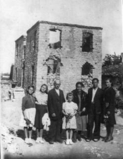 Mouzaki_oik.G.Ligda_empros_sto_kammeno_spiti1944Arxeio_Ath.Katsaros