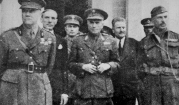 Ο στρατηγός Σπηλιωτόπουλος με το επιτελείο του (1944)