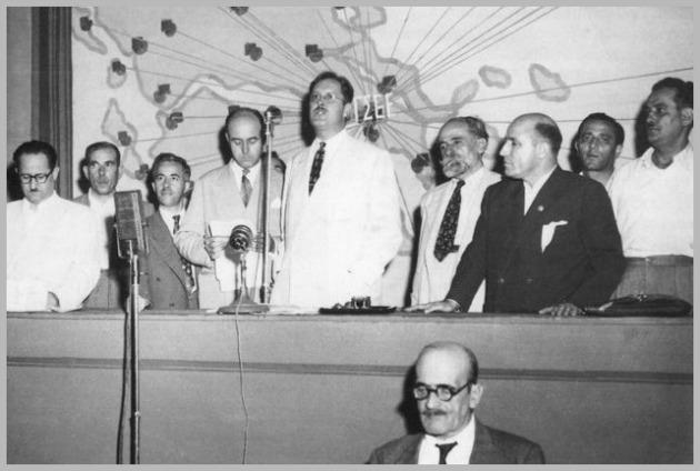 Ο Πολ Πόρτερ στο πρώτο μετεμφυλιακό συνέδριο της ΓΣΕΕ το 1950